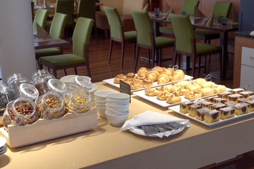 Frühstücksbuffet2
